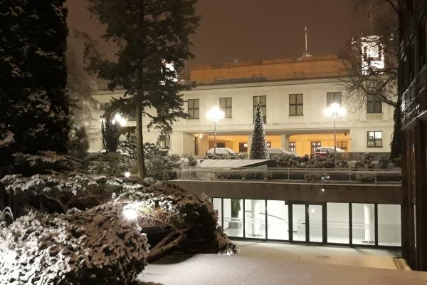 Kancelaria sejmu pod śniegiem